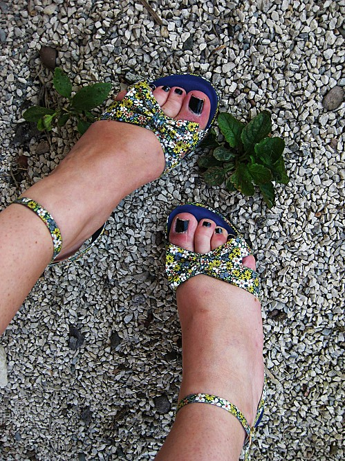 chaussures compens es promod liberty fleurs noeud copie 1 OUTFIT OF THE DAY : Purple & Yellow
