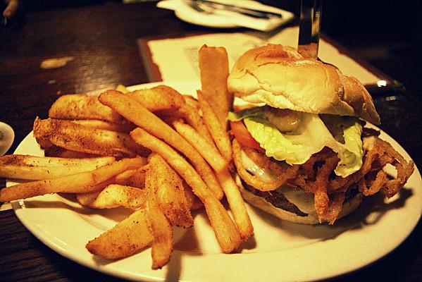 Le Meilleur Burger De New York Restaurant