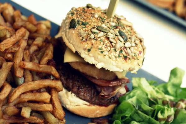 berliner-cafe-lille-burger-3.jpg