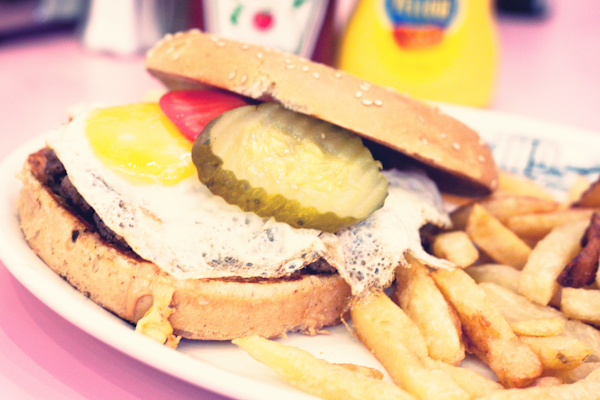 HD-DINER-LILLE-BACK-TO-THE-FIFTIES-BURGER-MILKSHAKE-RESTAUR.jpg