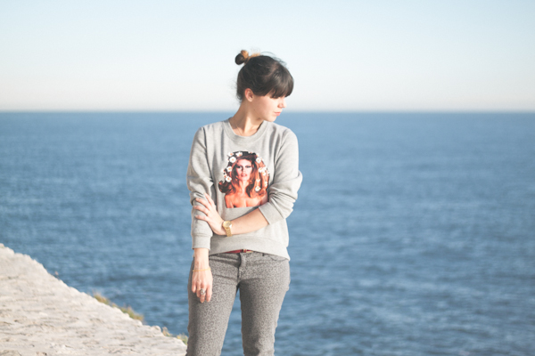 brigitte-bardot-sweater---paulinefashionblog.com_-15.jpg