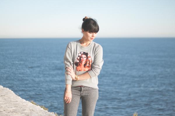 brigitte-bardot-sweater---paulinefashionblog.com_-7