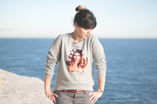 brigitte-bardot-sweater---paulinefashionblog.com_-9.jpg