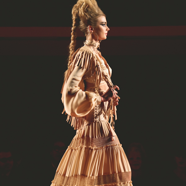 jean-paul-gaultier-printemps-ete-2013-haute-cout-copie-18.jpg
