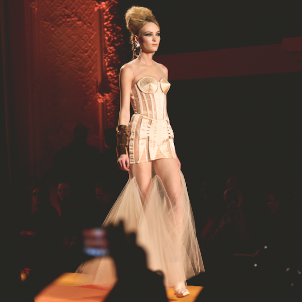 jean-paul-gaultier-printemps-ete-2013-haute-cout-copie-19.jpg
